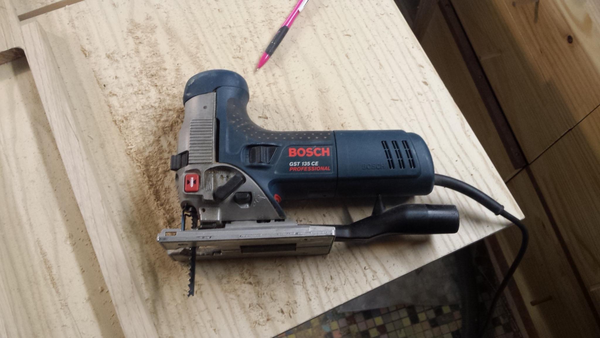 Scie sauteuse bosh Bosch_GST135CE